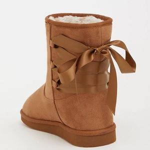 Torrid 9 10 W Boots Brown Faux Fur Booties Lace Up